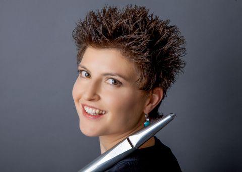 Angela Metzger